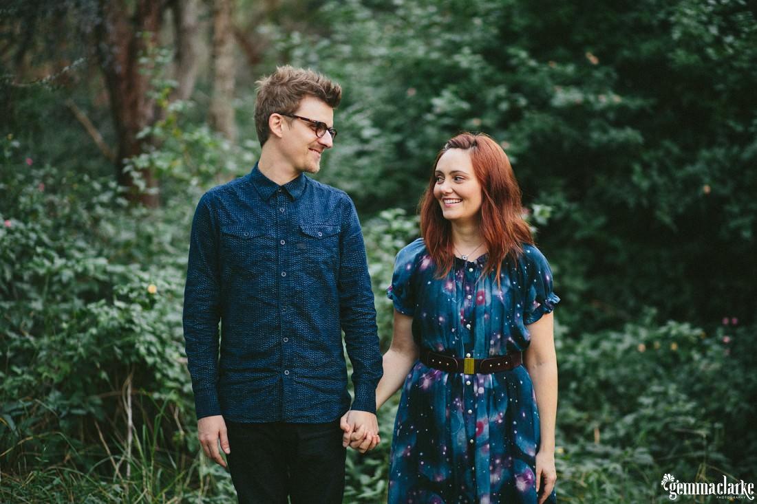 gemmaclarkephotography_bush-engagement-photos_valentina-and-garth-0029